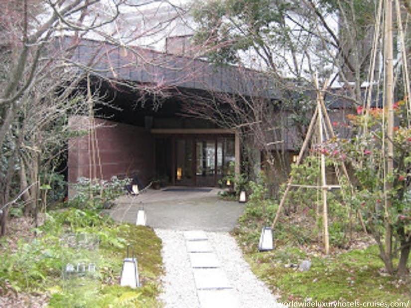 Beniya Mukayu Tokyo Luxury Travel Japan Izumi Ogawa Trip Vision Kagaonsen relais chateaux ryokan
